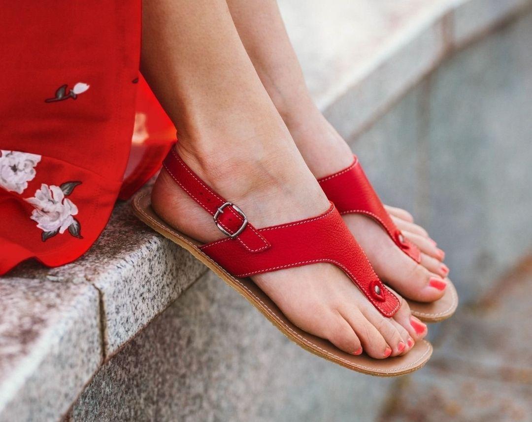 Levně Barefoot sandály Be Lenka Promenade - Red 37